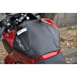 1671 : Bagster tank cover NC700