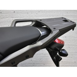 08L74-MGS-J30 08L70-MJJ-D30 : Support pour top-box Honda NC700